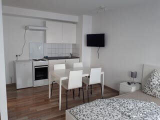 Apartment Neu renoviertes Appartment mit Bad und Kueche Marcus Maiwald 90762 Fuerth Foto 2